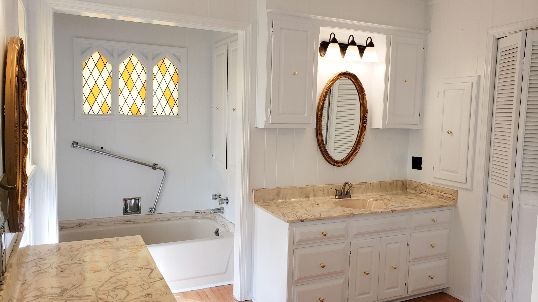 Large photo 18 of Ozark home for sale at 601 River Street, Ozark, AR