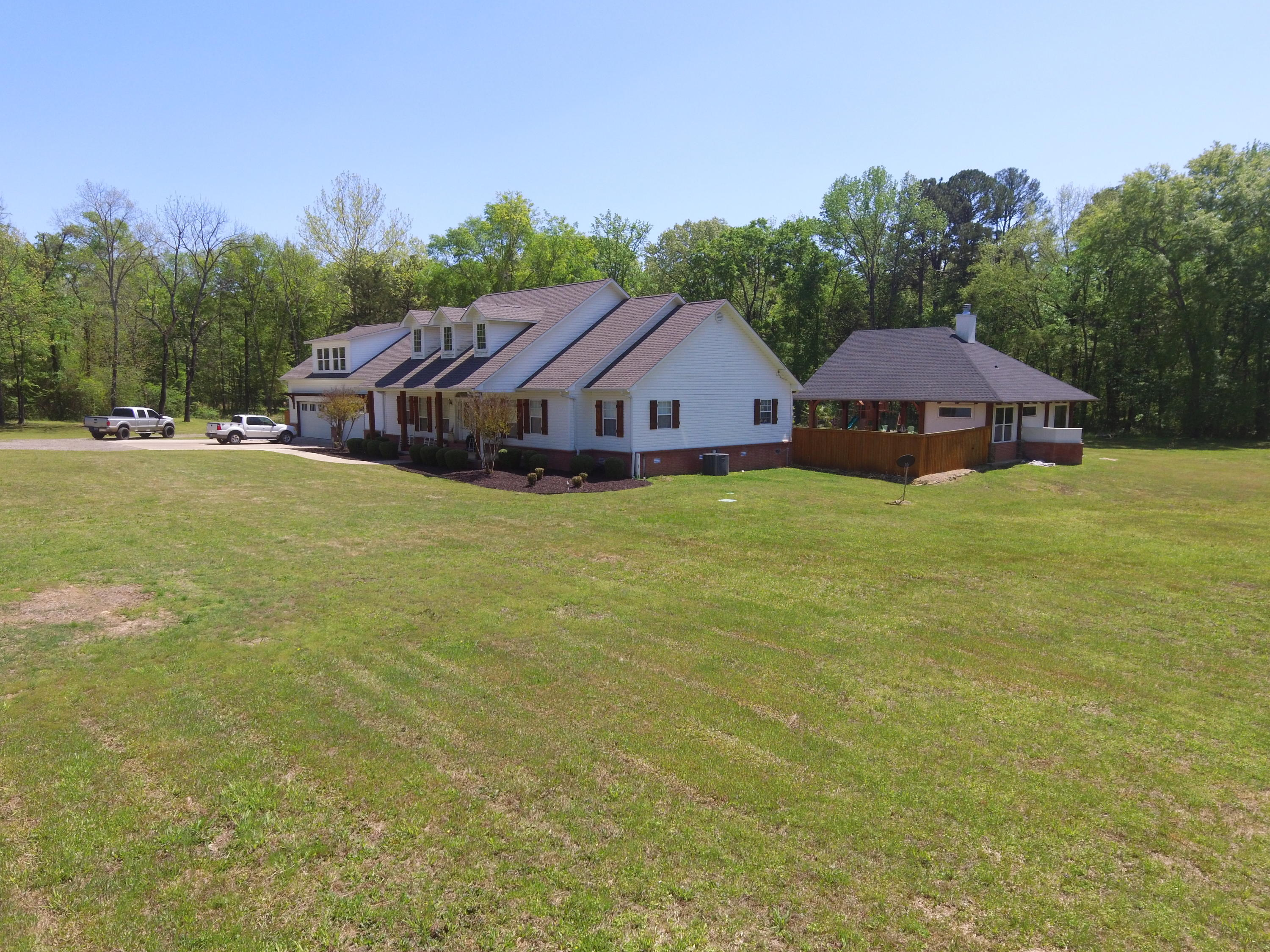 Large photo 42 of home for sale at 1051 Center Valley Road, Russellville, AR