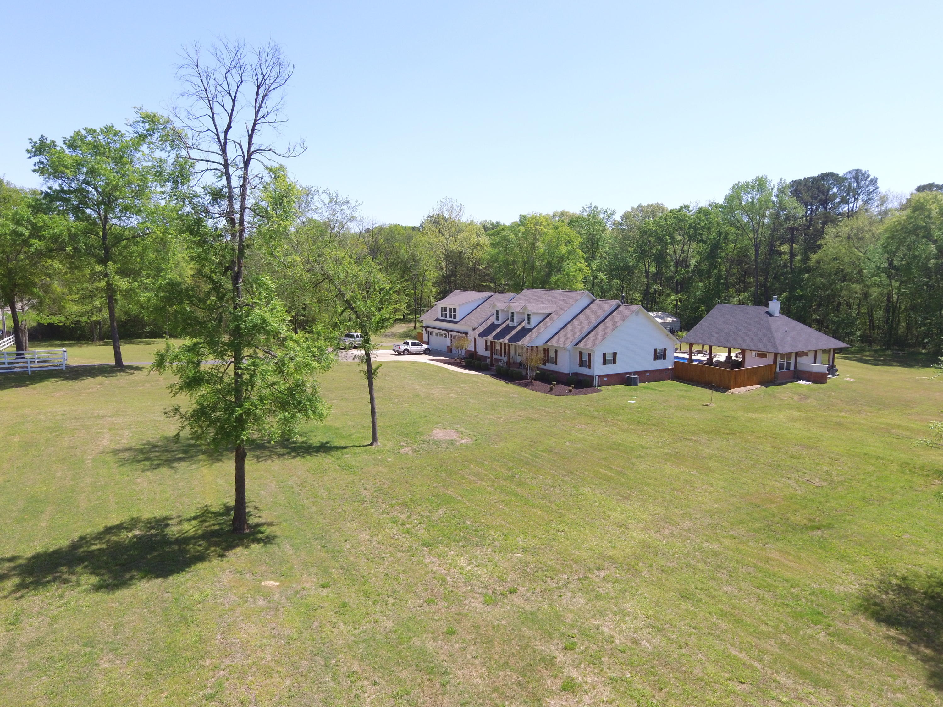 Large photo 48 of home for sale at 1051 Center Valley Road, Russellville, AR