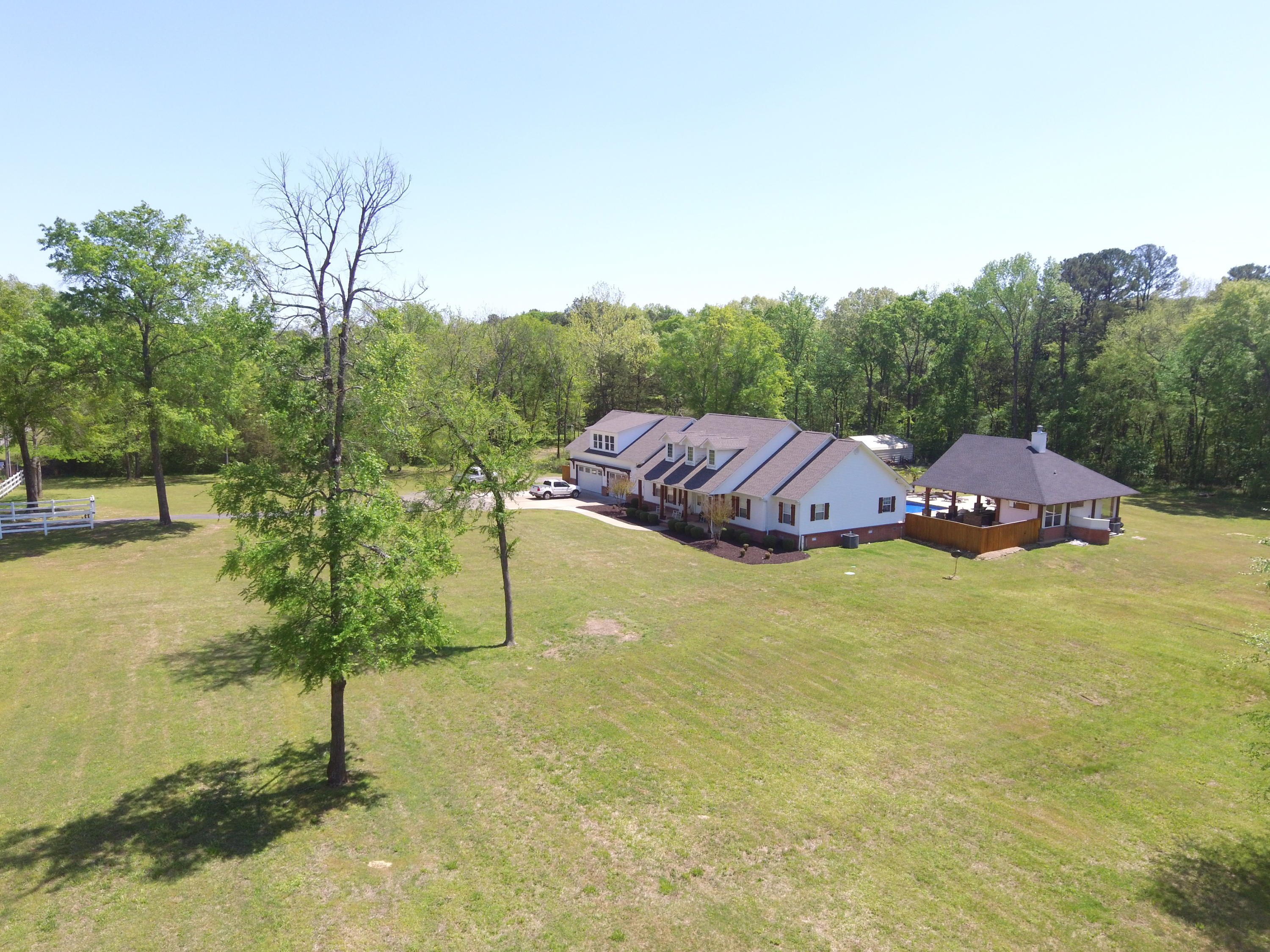 Large photo 49 of home for sale at 1051 Center Valley Road, Russellville, AR