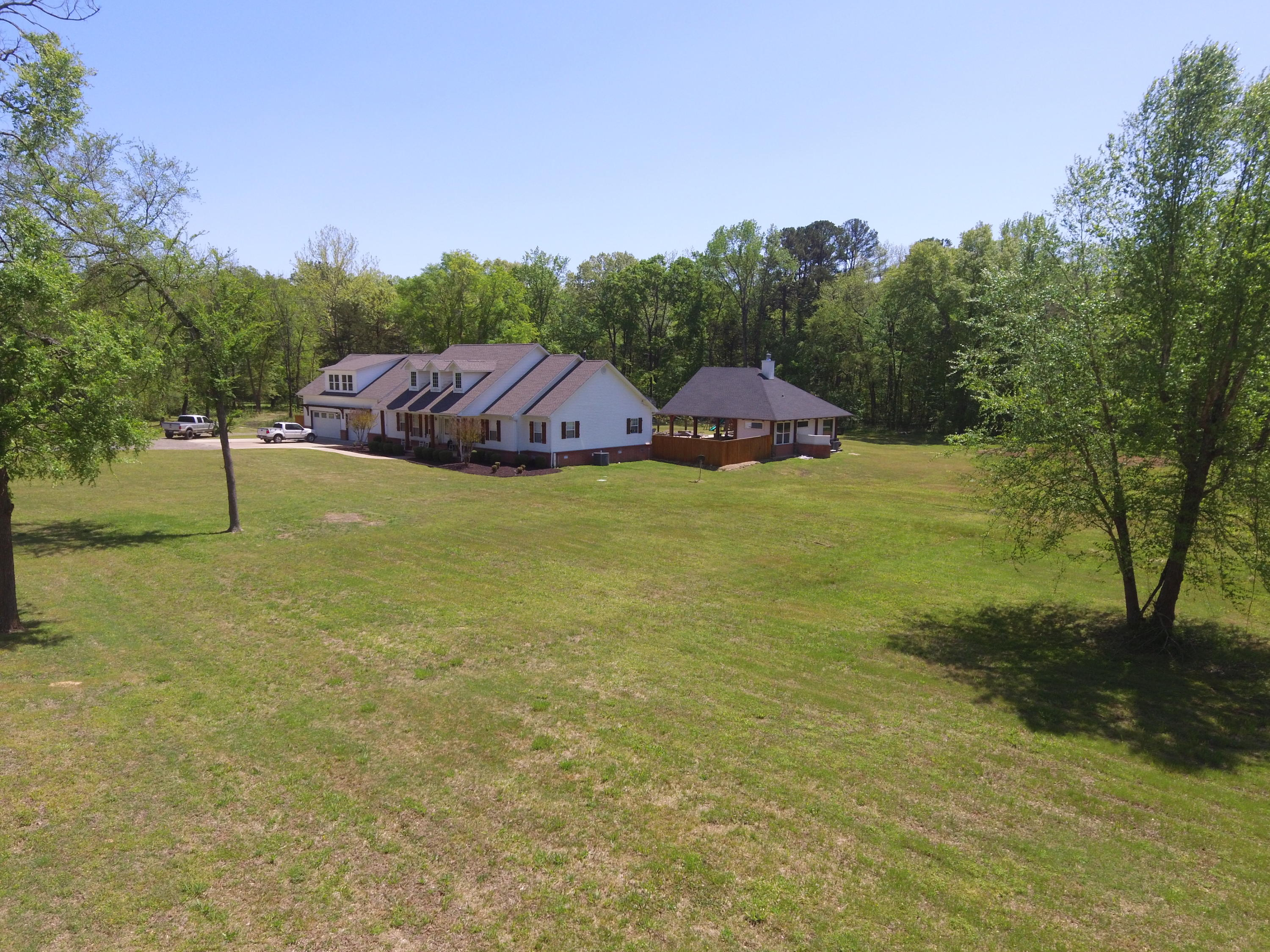 Large photo 52 of home for sale at 1051 Center Valley Road, Russellville, AR