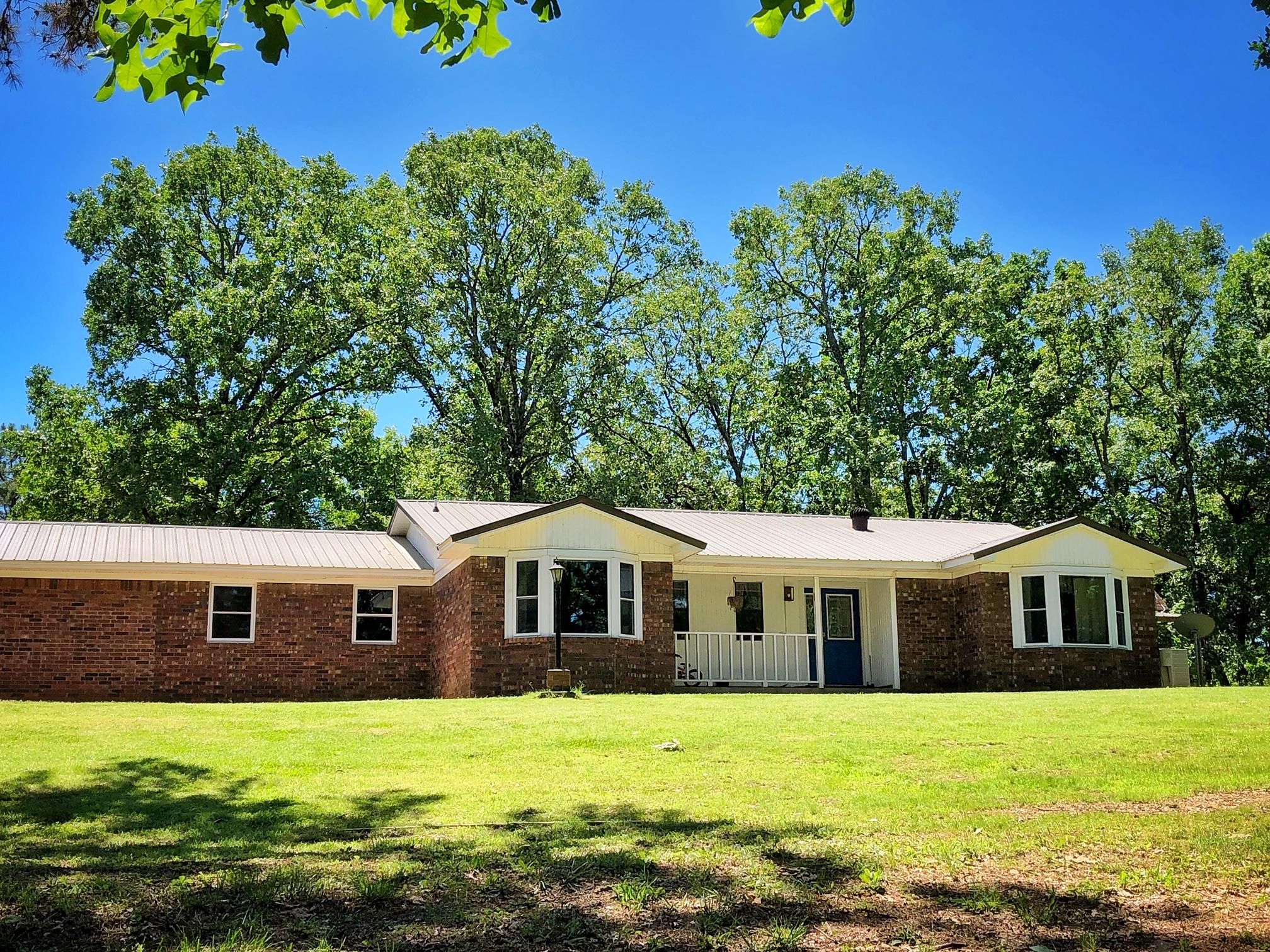 Large photo 2 of home for sale at 985 CR 3380 , Clarksville, AR