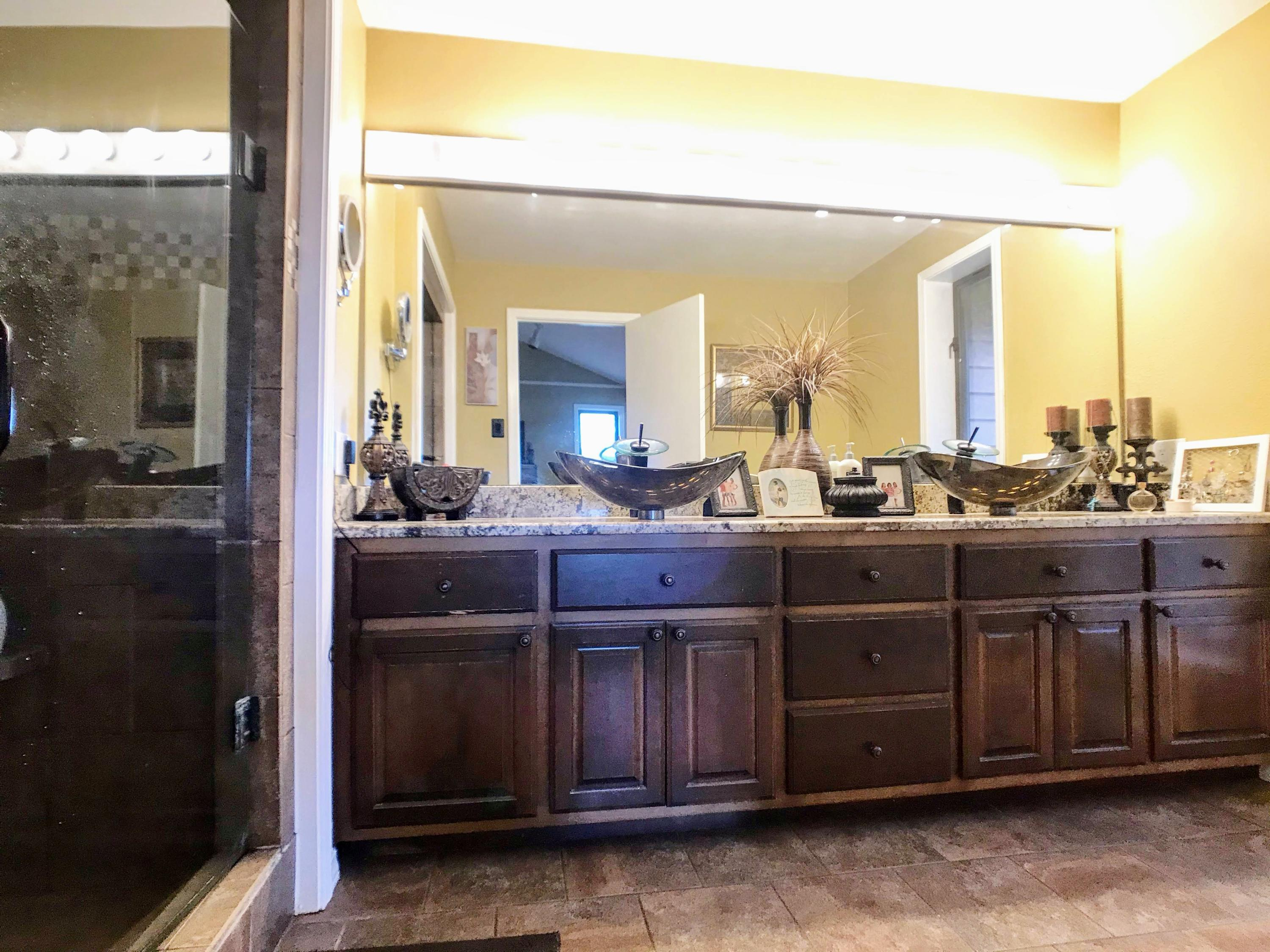 Large photo 9 of home for sale at 282 Royal Oaks Lane, Russellville, AR
