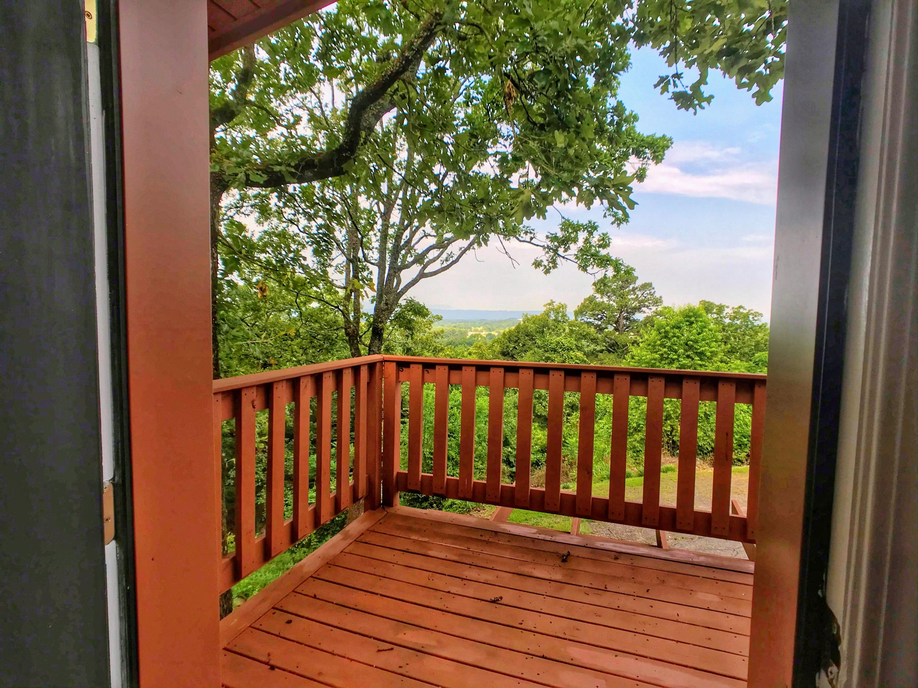 Large photo 10 of home for sale at 282 Royal Oaks Lane, Russellville, AR