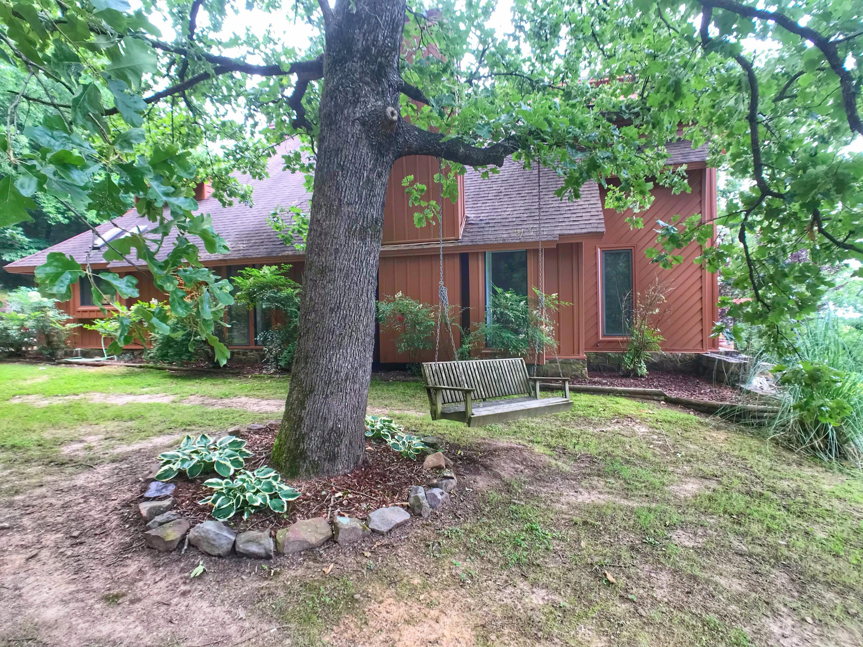 Large photo 5 of home for sale at 282 Royal Oaks Lane, Russellville, AR