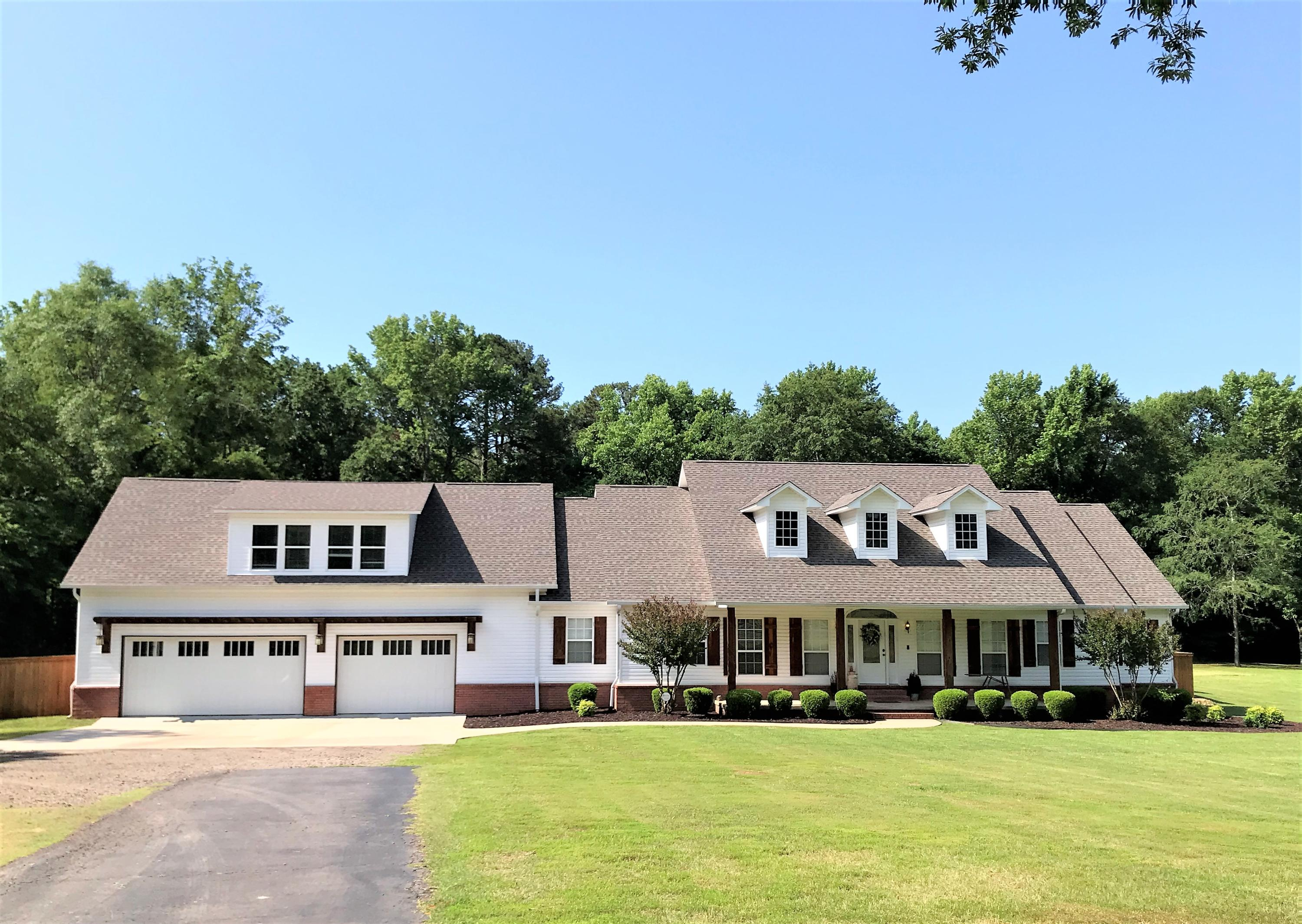 Large photo 8 of home for sale at 1051 Center Valley Road, Russellville, AR