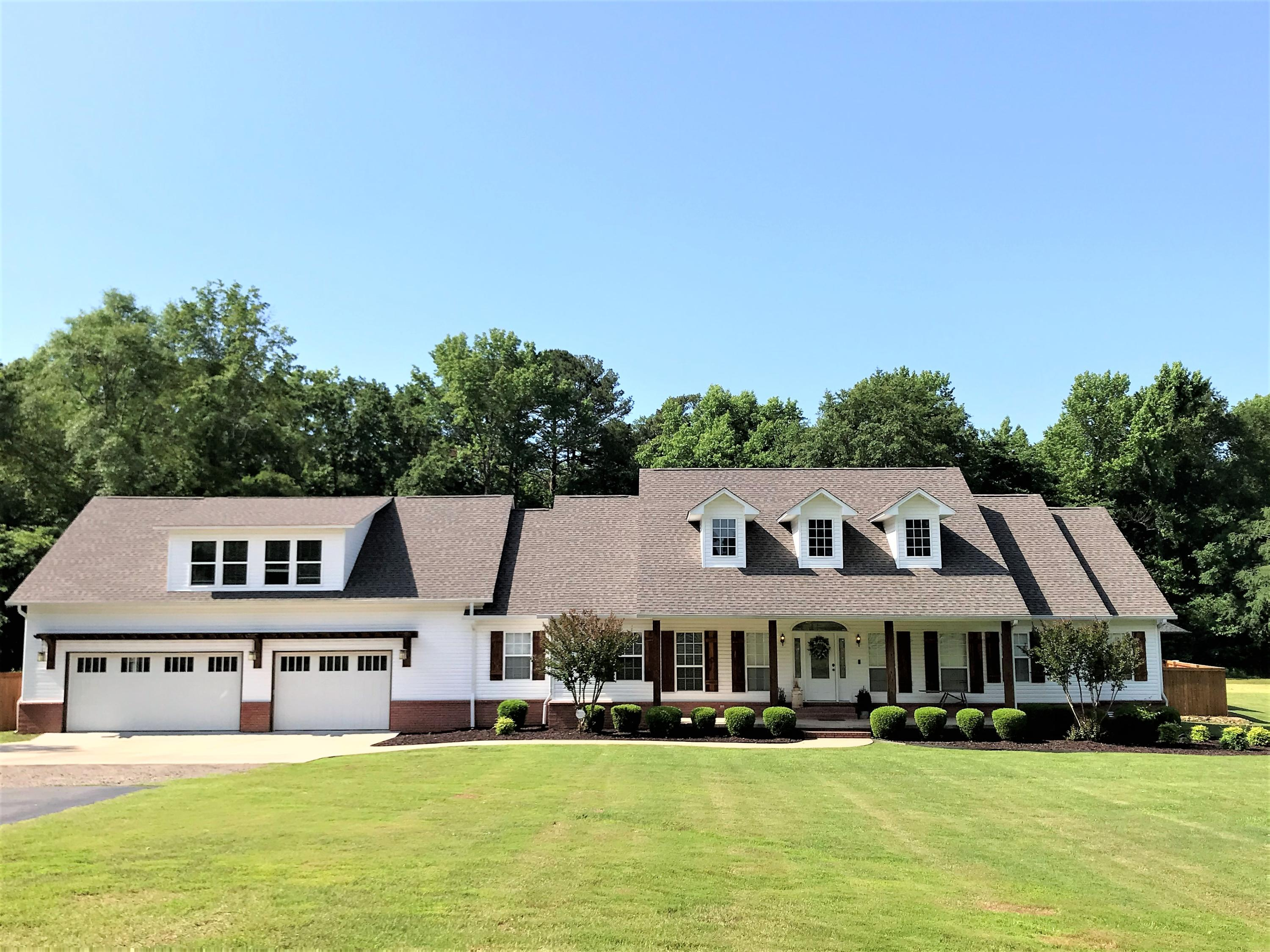 Large photo 7 of home for sale at 1051 Center Valley Road, Russellville, AR