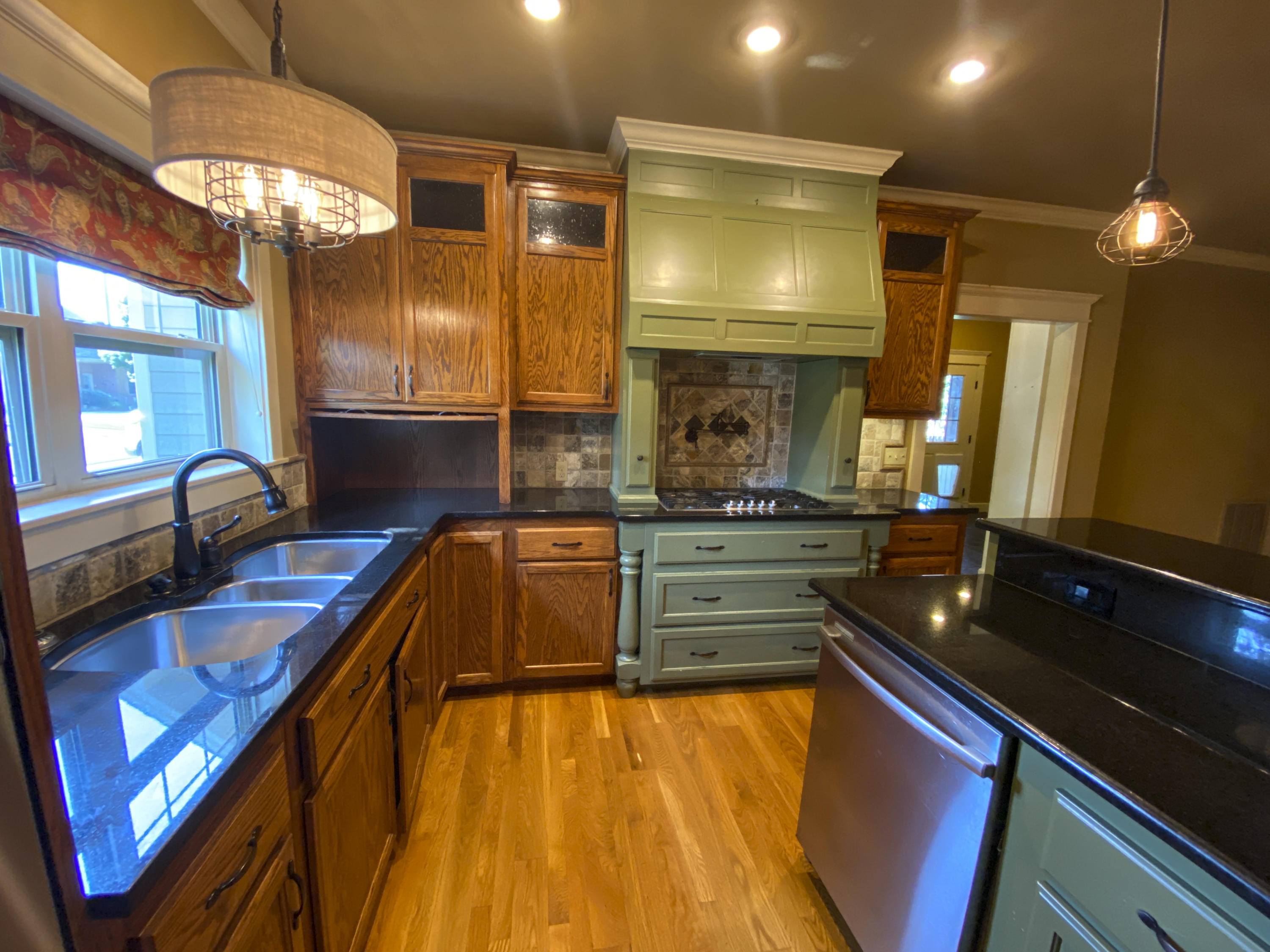 Large photo 15 of home for sale at 2103 6th Street, Russellville, AR