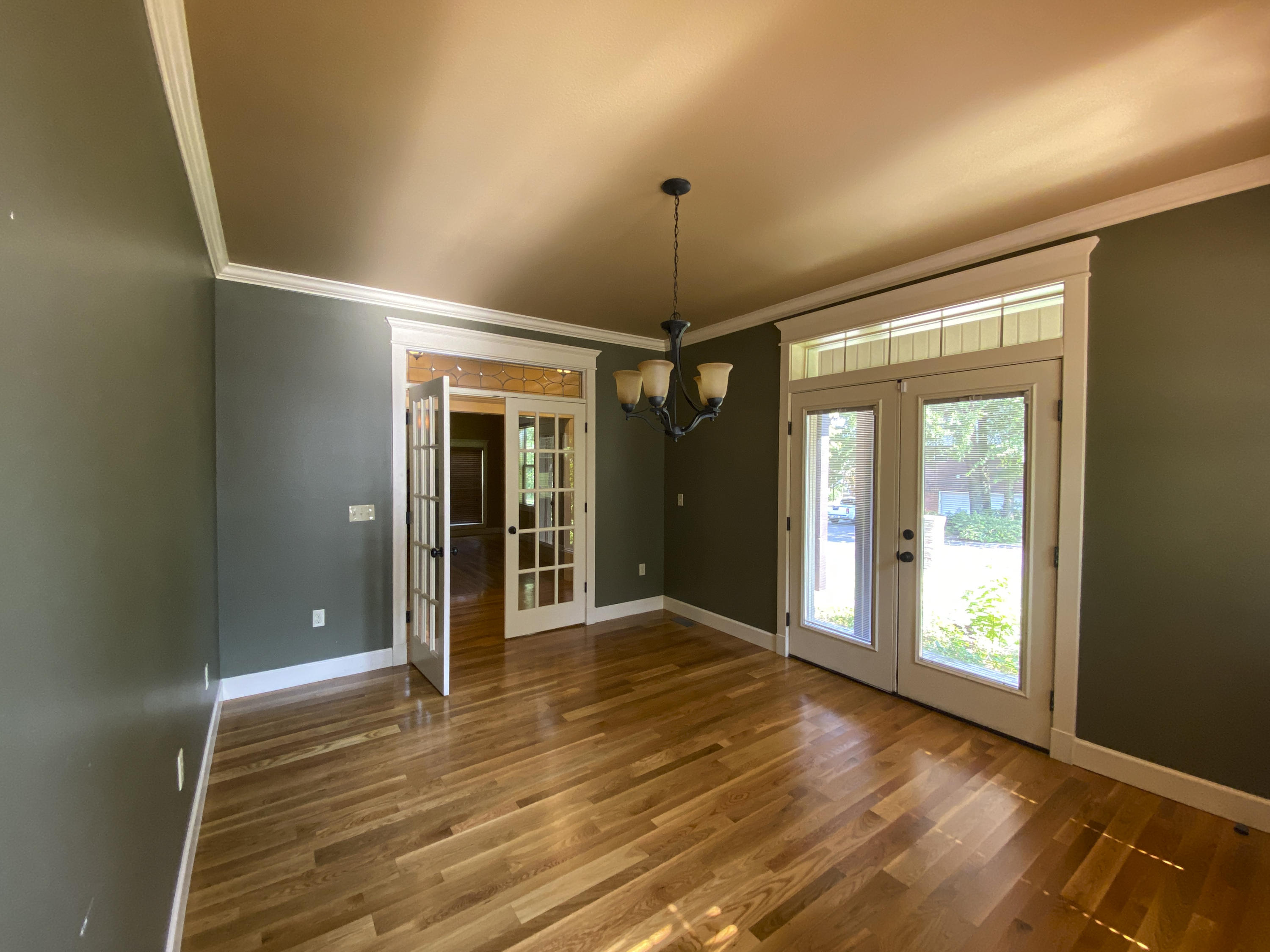 Large photo 9 of home for sale at 2103 6th Street, Russellville, AR