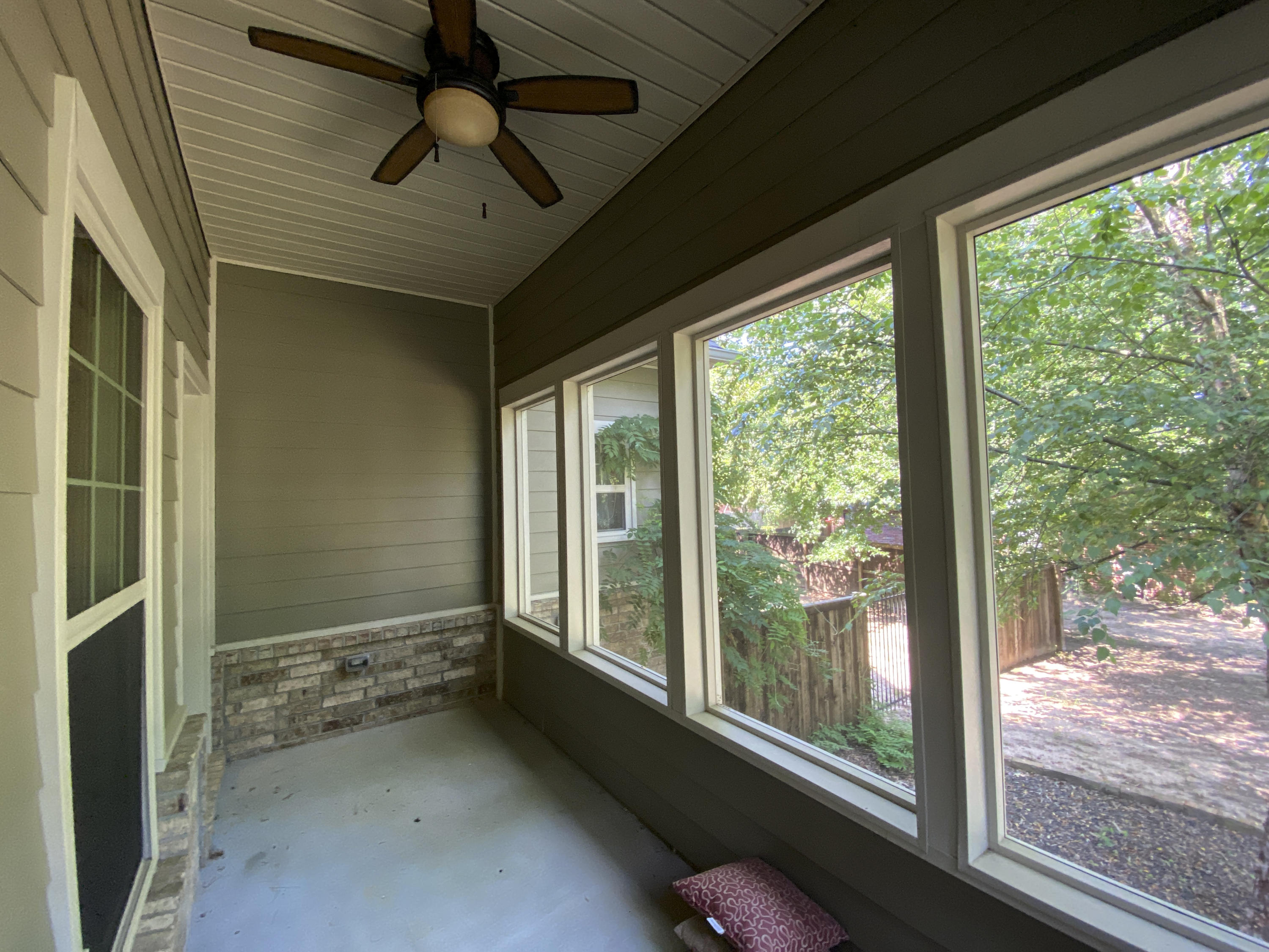 Large photo 39 of home for sale at 2103 6th Street, Russellville, AR