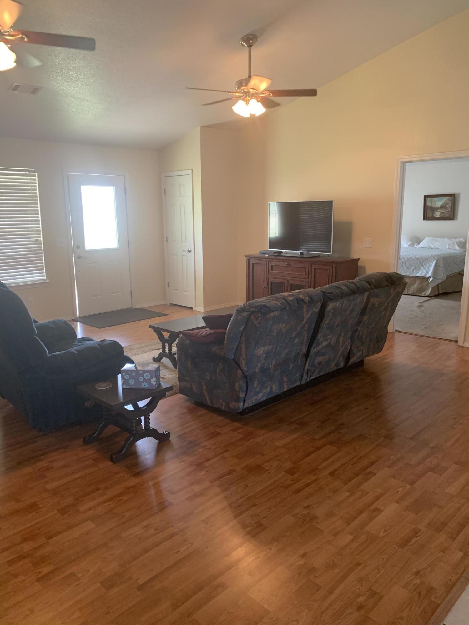 Large photo 3 of Lamar home for sale at 124 Cedarwood Drive, Lamar, AR