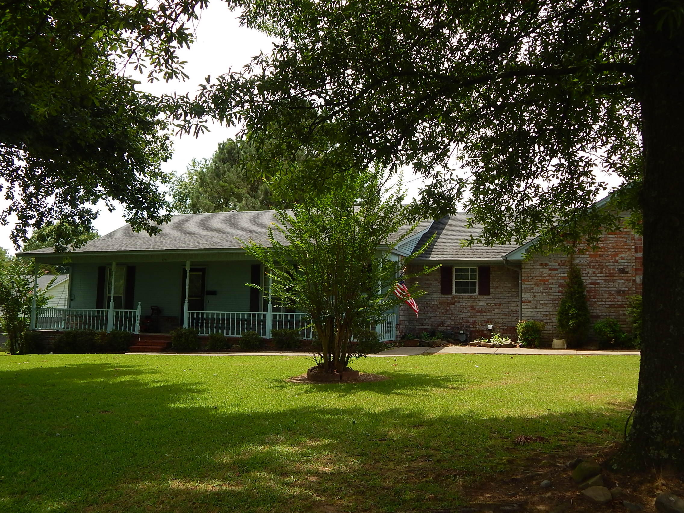 Large photo 3 of home for sale at 175 Sparksford Drive, Russellville, AR