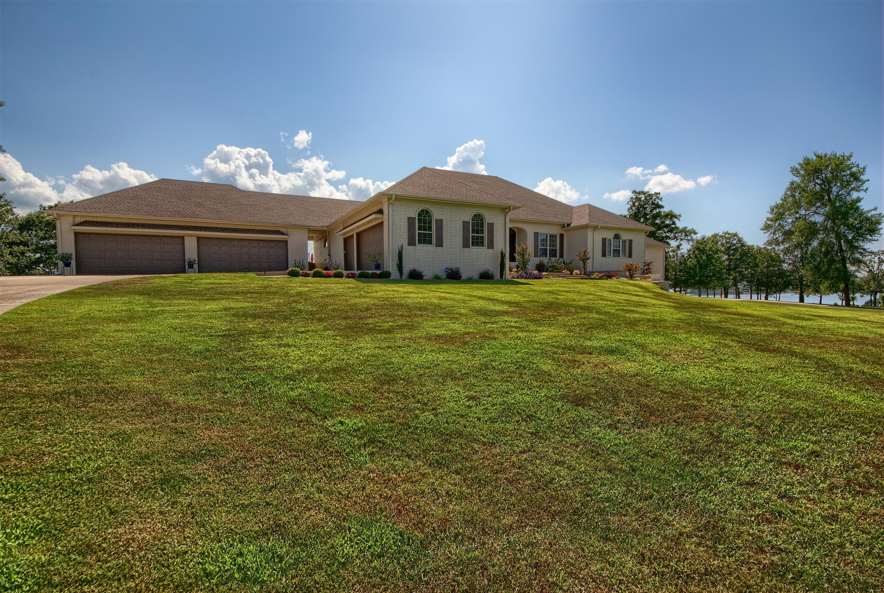 Large photo 8 of home for sale at 313 Milky Way Lane, London, AR