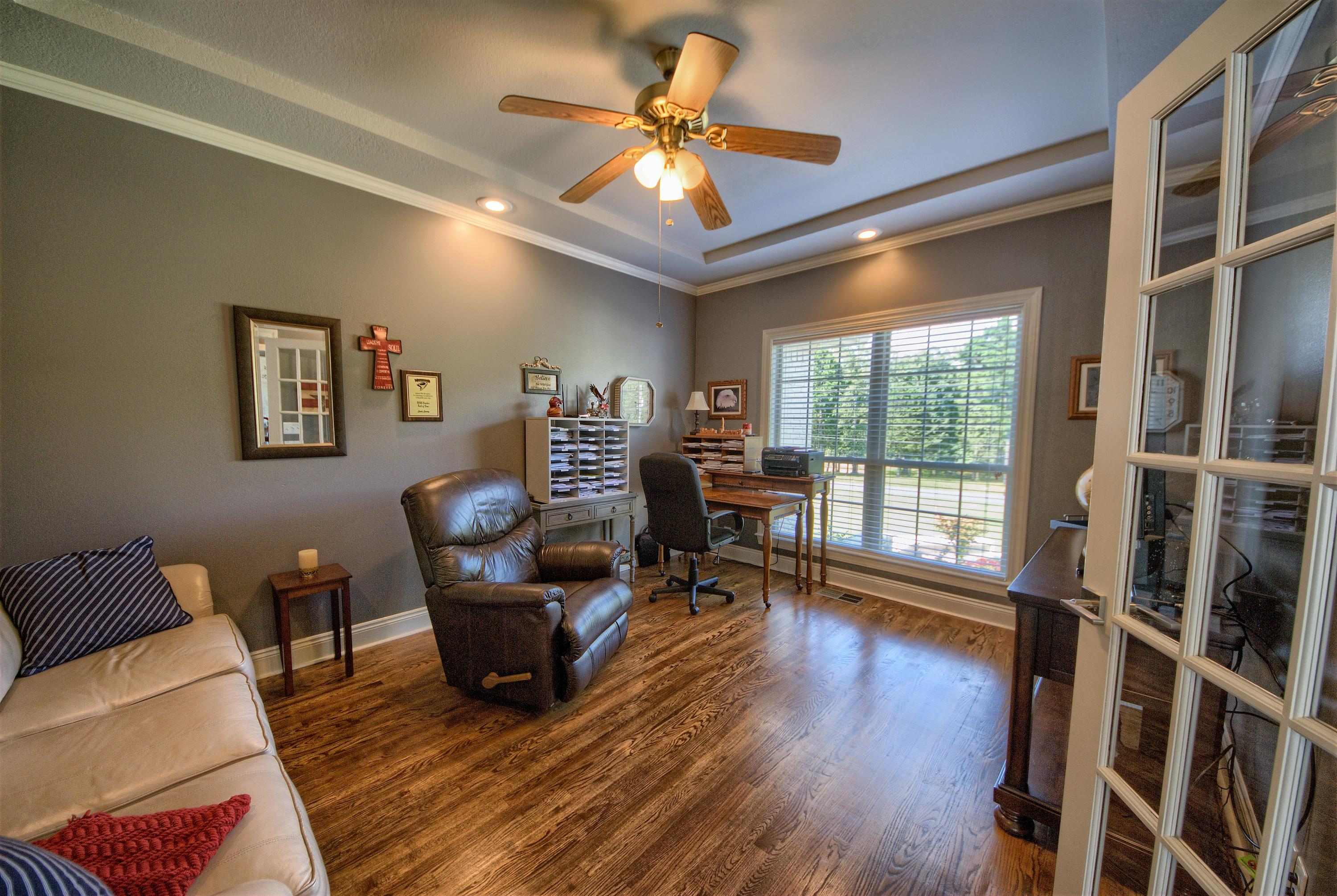 Large photo 17 of home for sale at 313 Milky Way Lane, London, AR