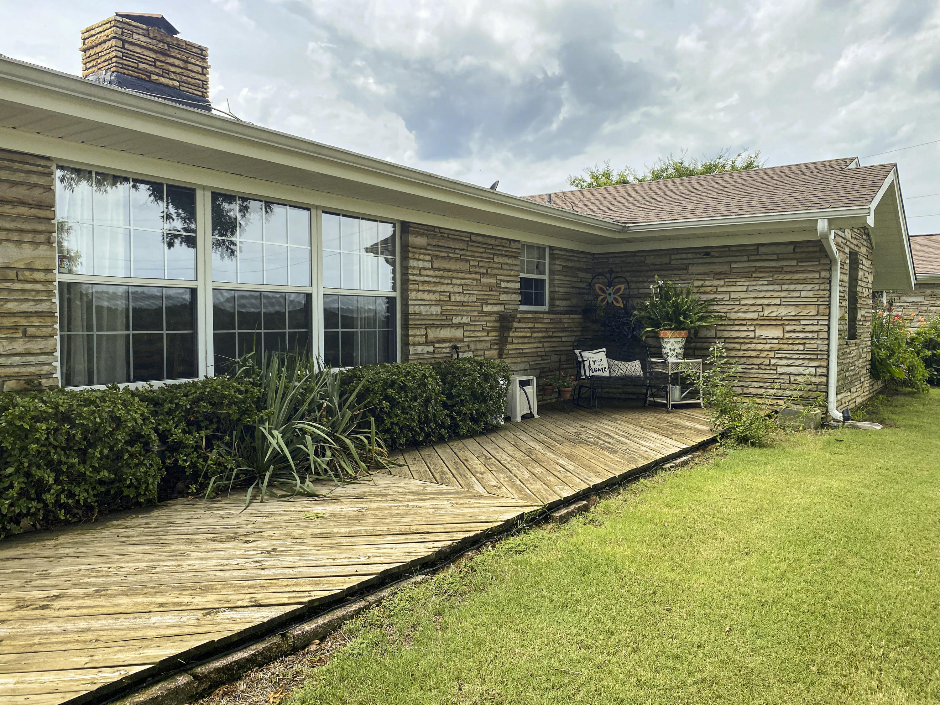 Large photo 1 of home for sale at 1437 Hudson Road, Pottsville, AR