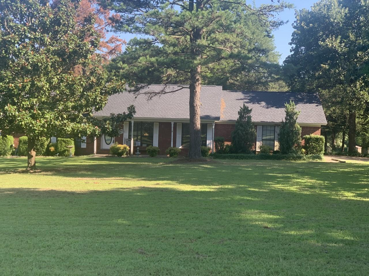 Large photo 1 of home for sale at 827 Sherman Circle, Russellville, AR