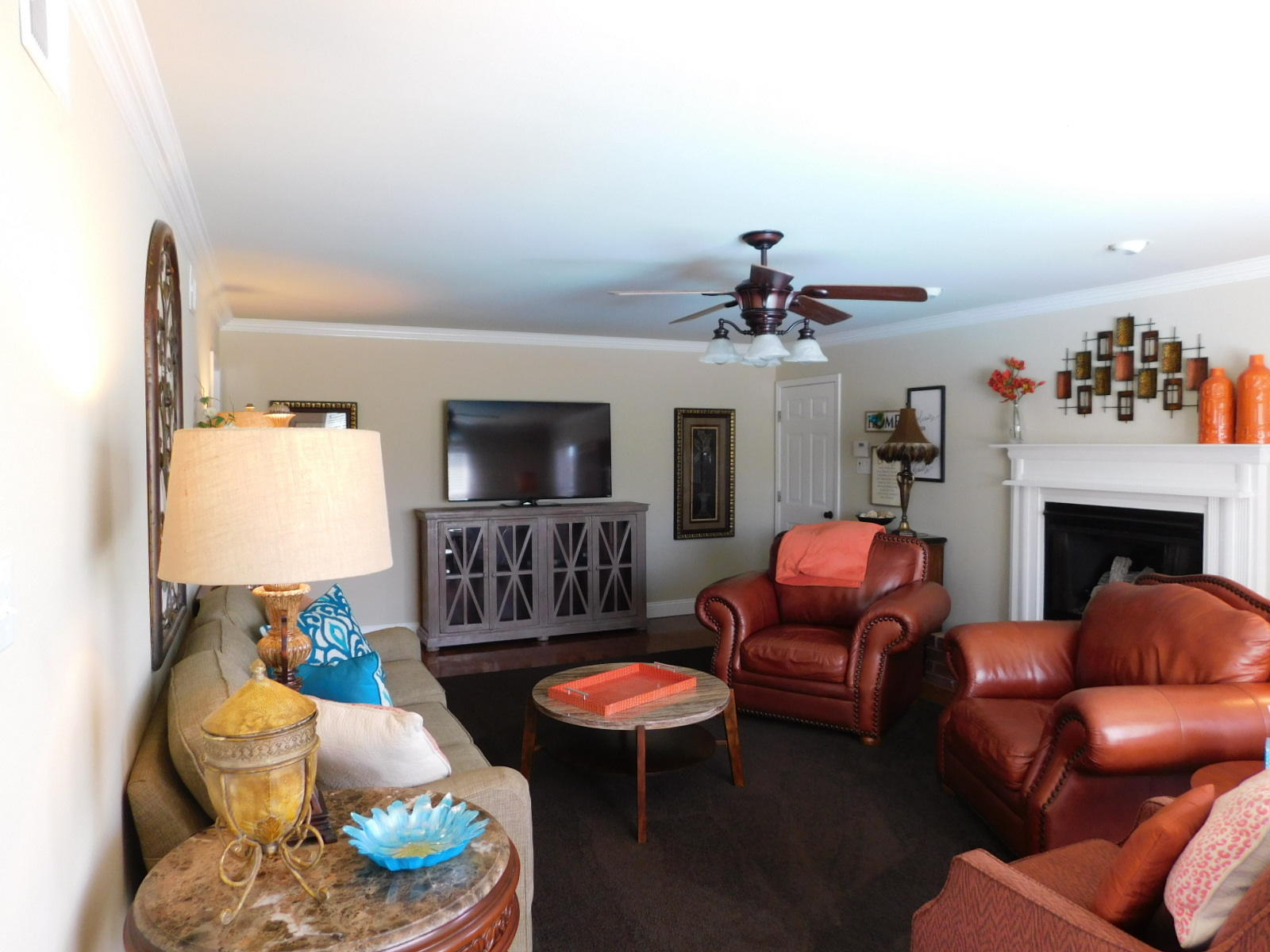 Large photo 14 of home for sale at 401 Carden Place, Russellville, AR
