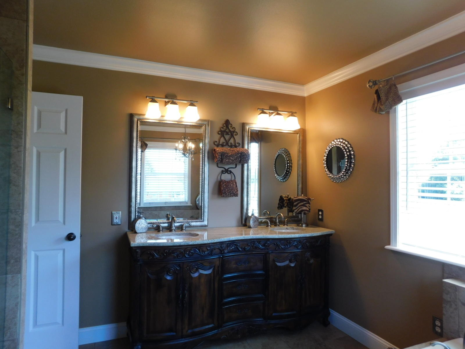 Large photo 21 of home for sale at 401 Carden Place, Russellville, AR