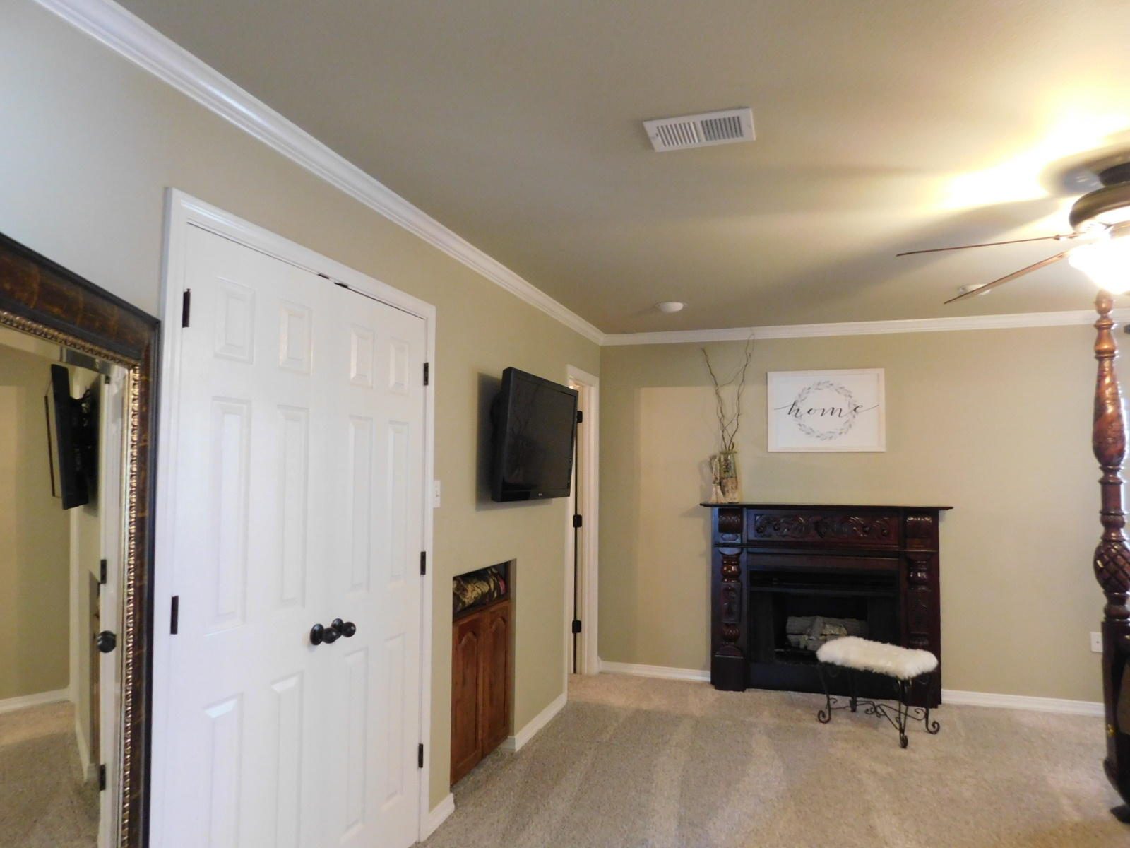 Large photo 22 of home for sale at 401 Carden Place, Russellville, AR