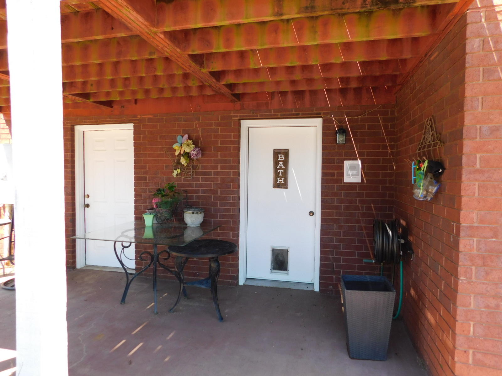 Large photo 28 of home for sale at 401 Carden Place, Russellville, AR