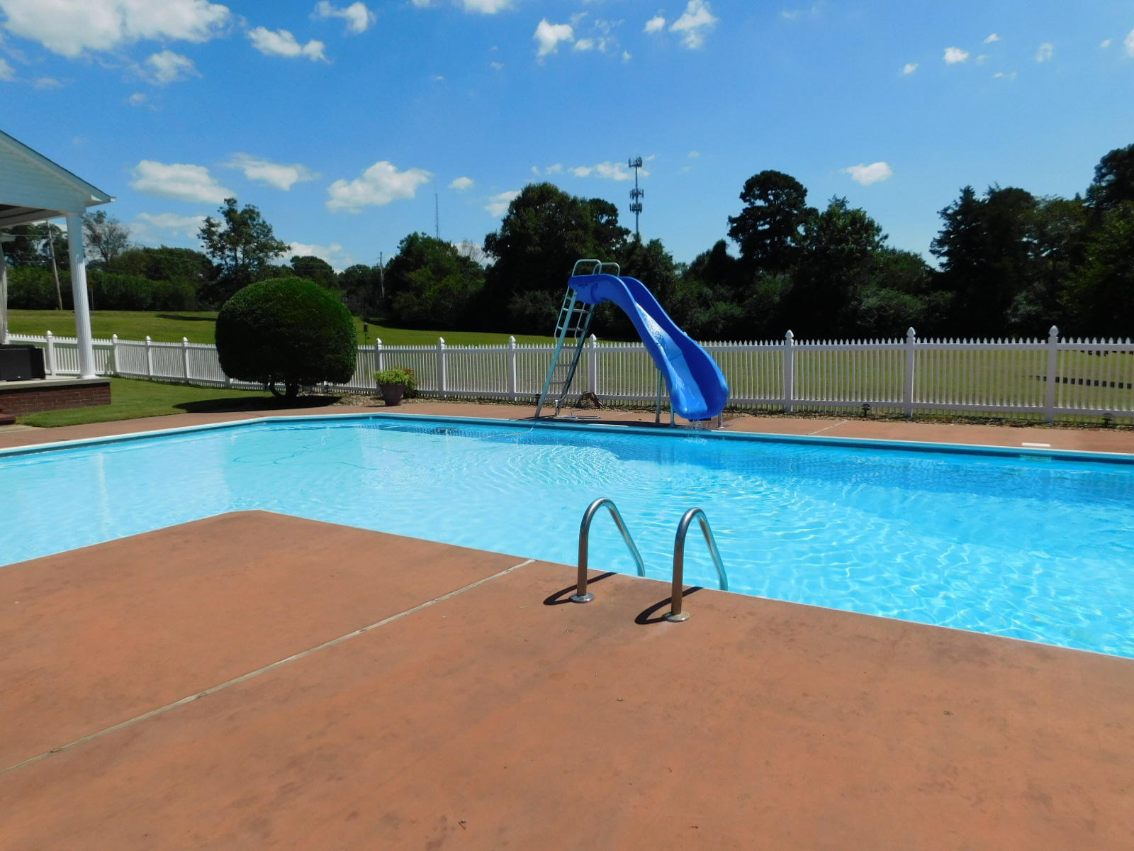 Large photo 31 of home for sale at 401 Carden Place, Russellville, AR