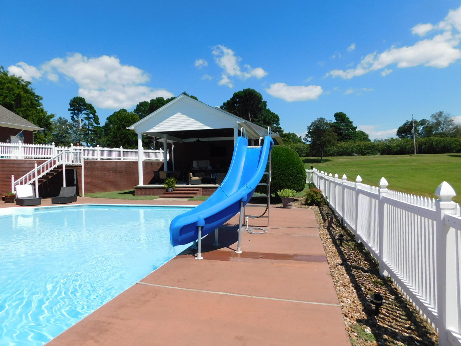 Large photo 34 of home for sale at 401 Carden Place, Russellville, AR