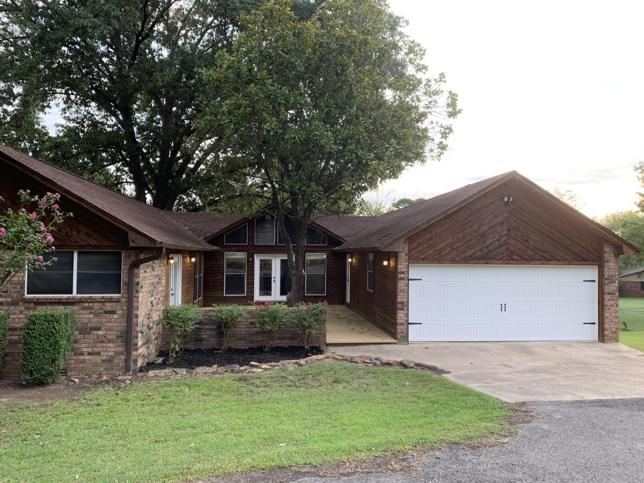 Large photo 1 of home for sale at 1103 Inglewood Avenue, Russellville, AR