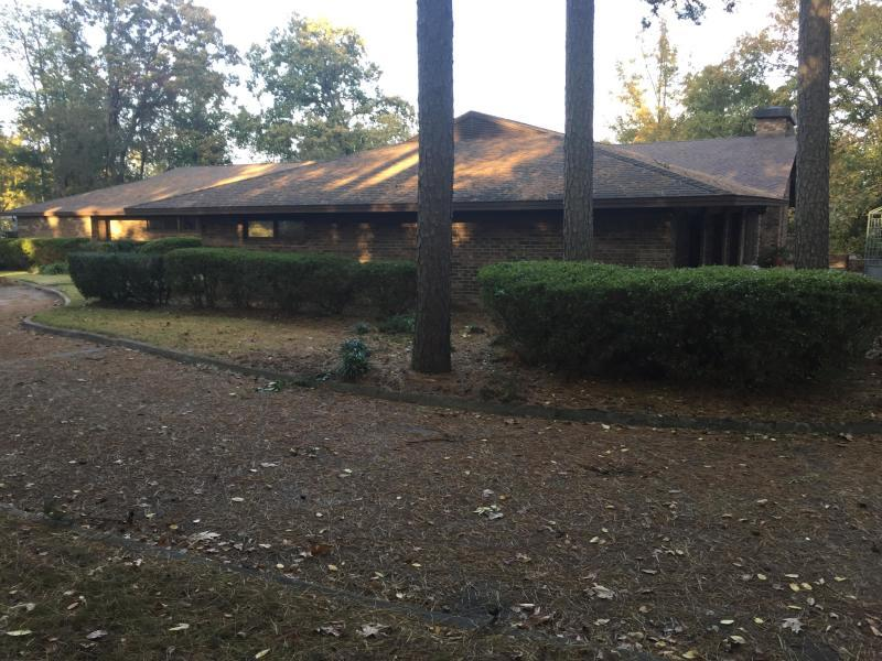 Large photo 6 of home for sale at 406 Pine Cir Drive, Russellville, AR