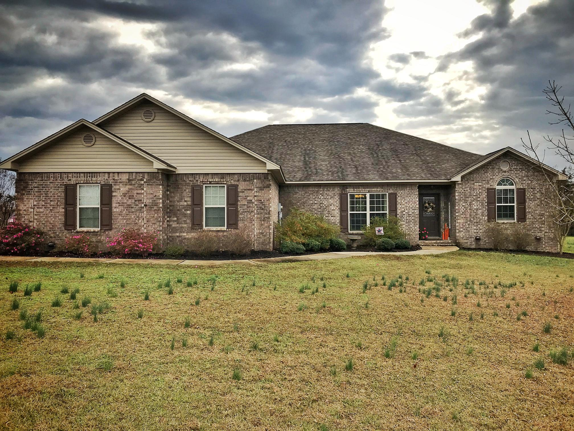Large photo 1 of home for sale at 311 Mountain Crest Drive, Russellville, AR