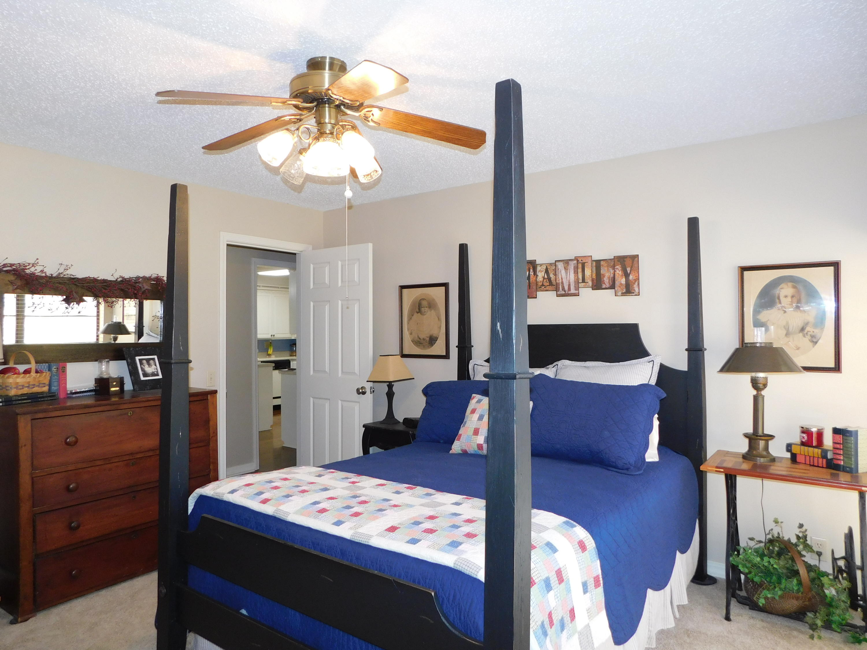 Large photo 11 of home for sale at 94 Gum Lane, Russellville, AR