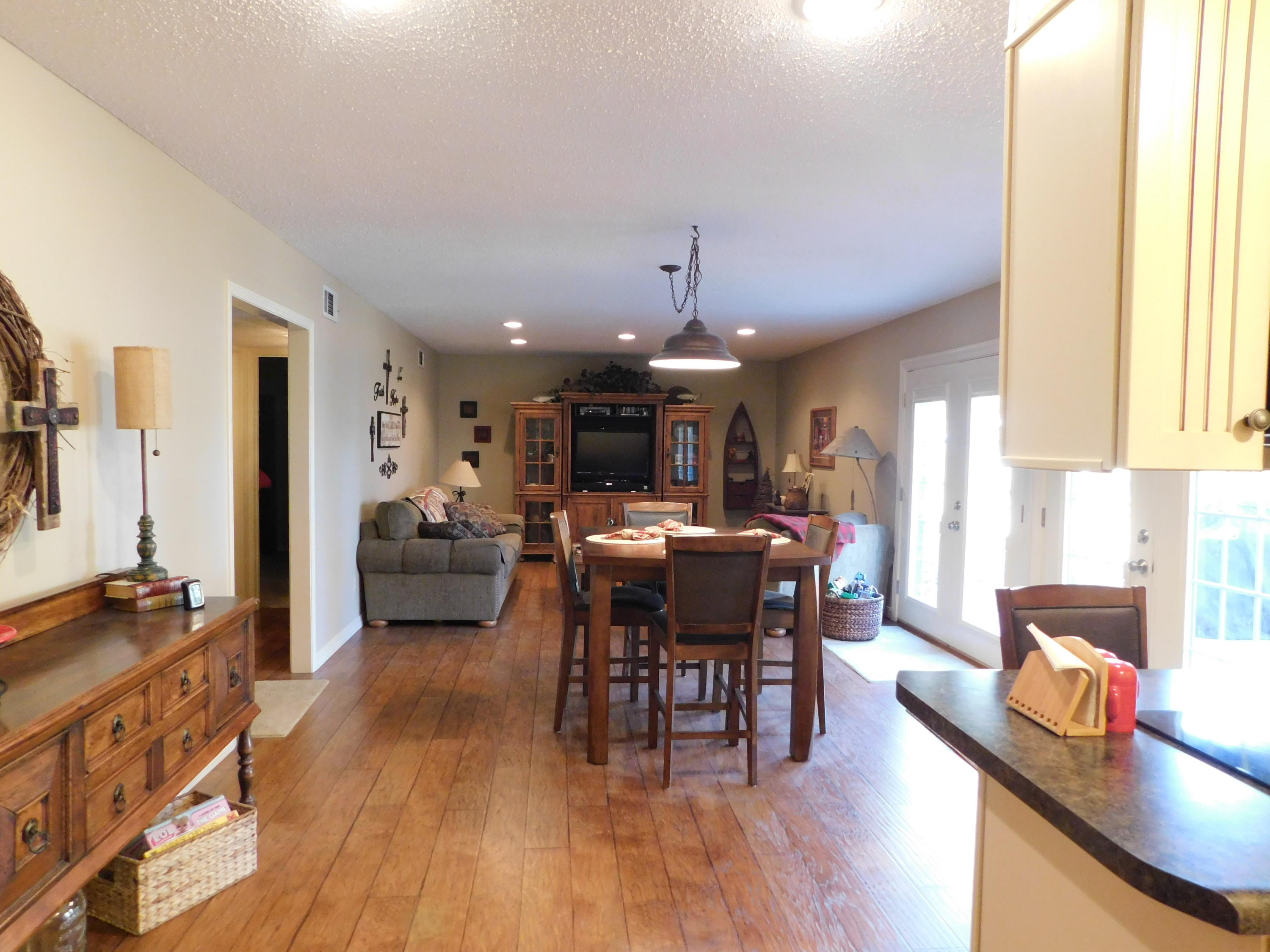 Large photo 18 of home for sale at 94 Gum Lane, Russellville, AR