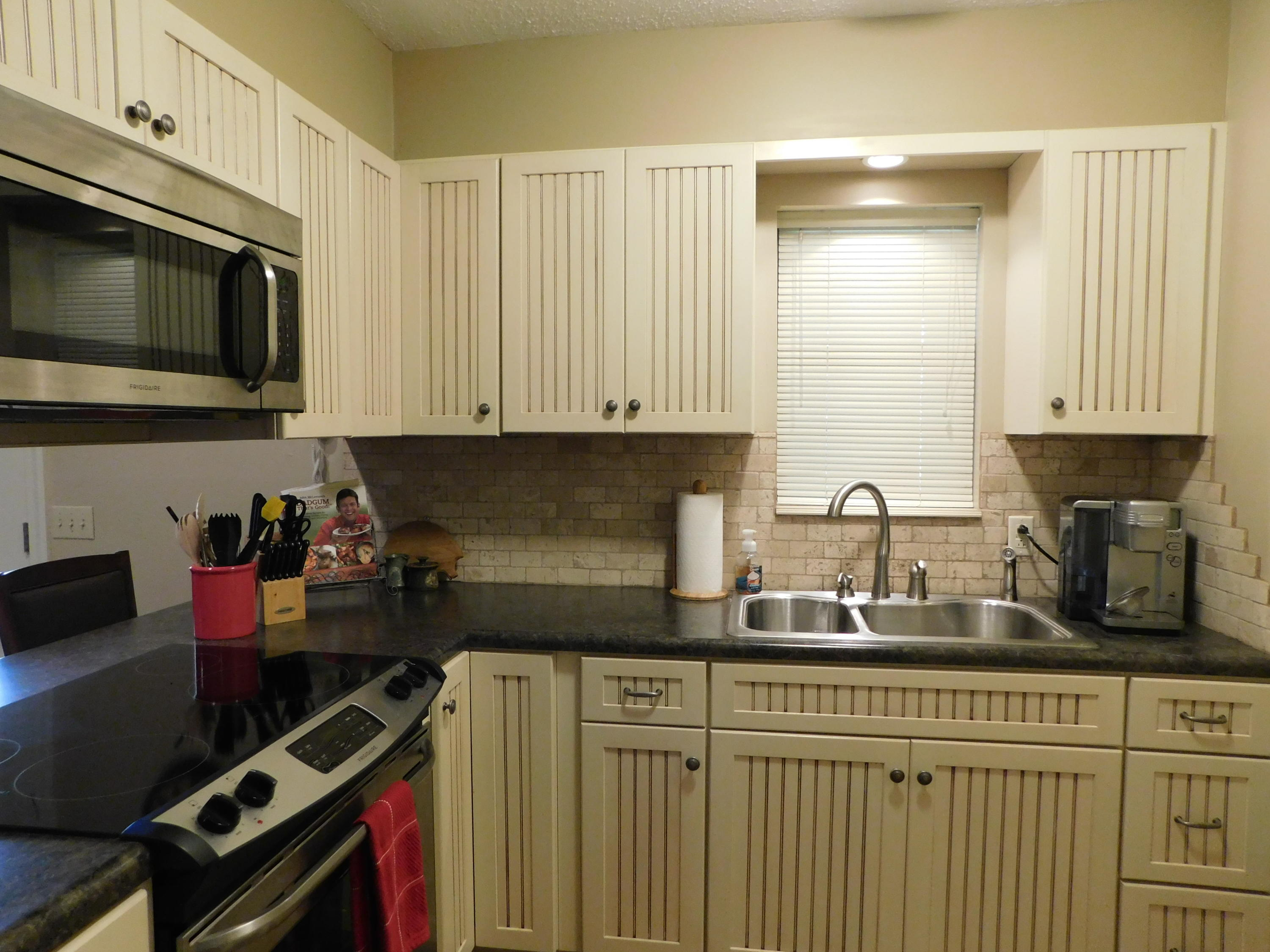 Large photo 21 of home for sale at 94 Gum Lane, Russellville, AR