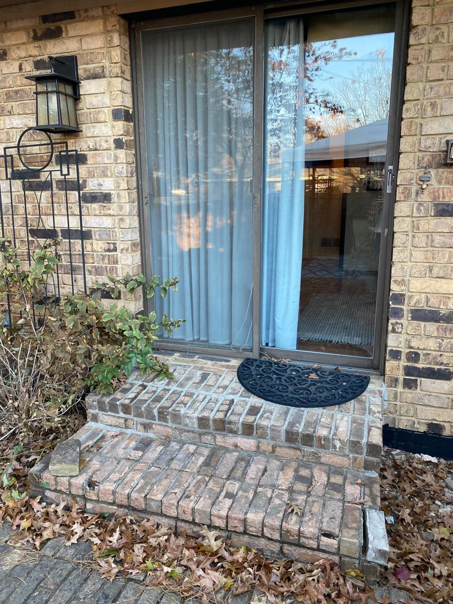 Large photo 114 of home for sale at 445 Grandview Avenue, Clarksville, AR
