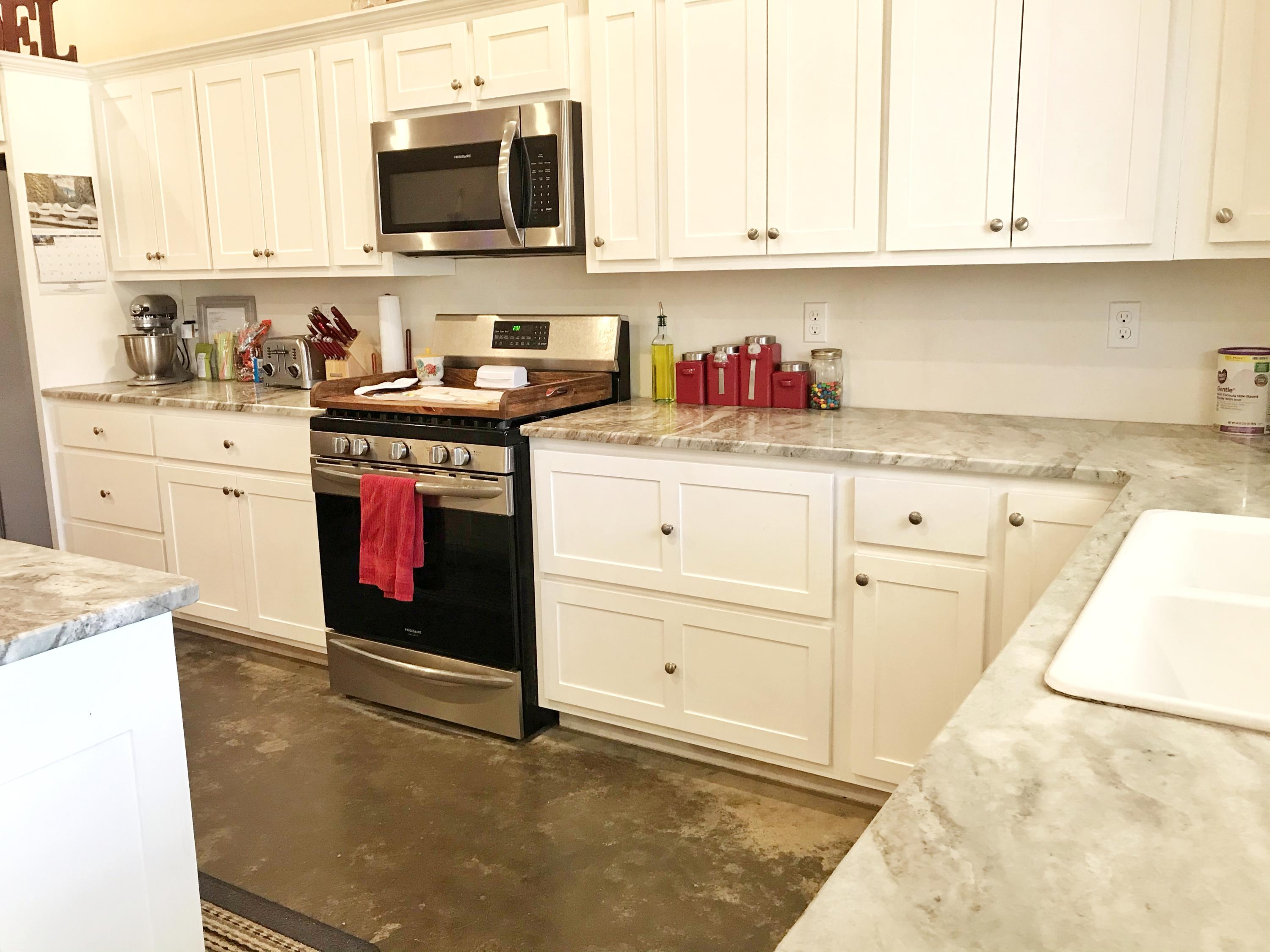 Large photo 10 of home for sale at 929 Reed Loop, Atkins, AR