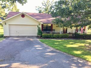Gorgeous rural property close to town