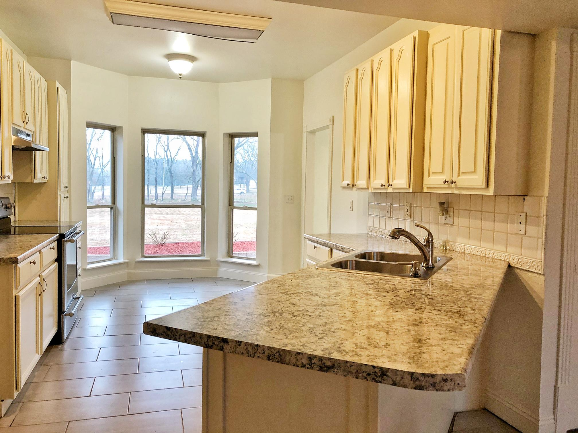 Large photo 11 of home for sale at 10160 Maddie Road, Dardanelle, AR