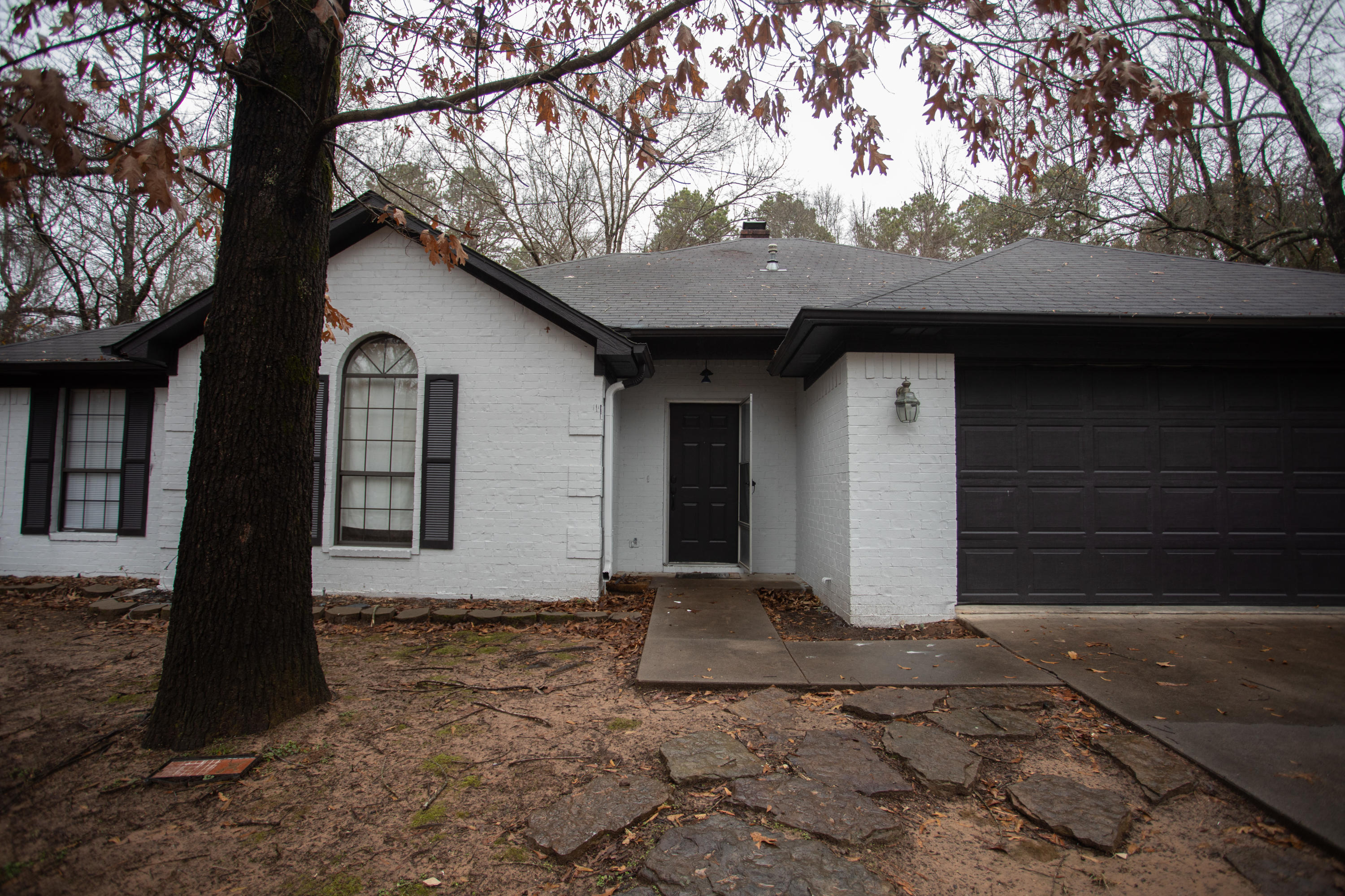 Large photo 1 of home for sale at 229 Fox Glove Road, Russellville, AR