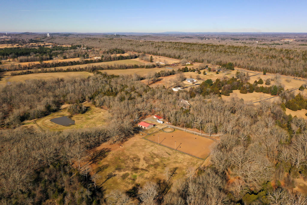 Large photo 4 of home for sale at 20 Blankenship Drive, Conway, AR