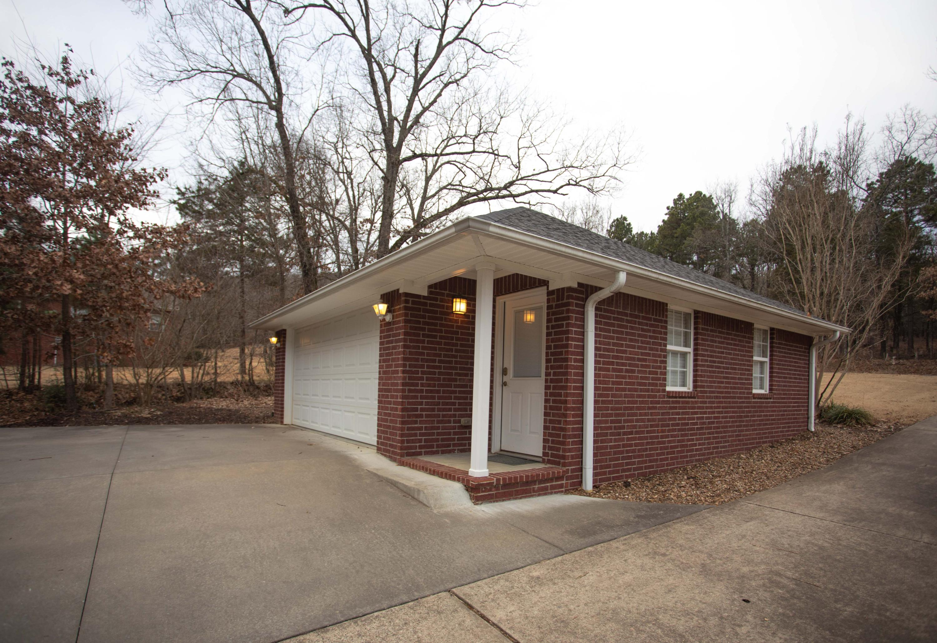 Large photo 10 of home for sale at 251 Pike Lane, Russellville, AR