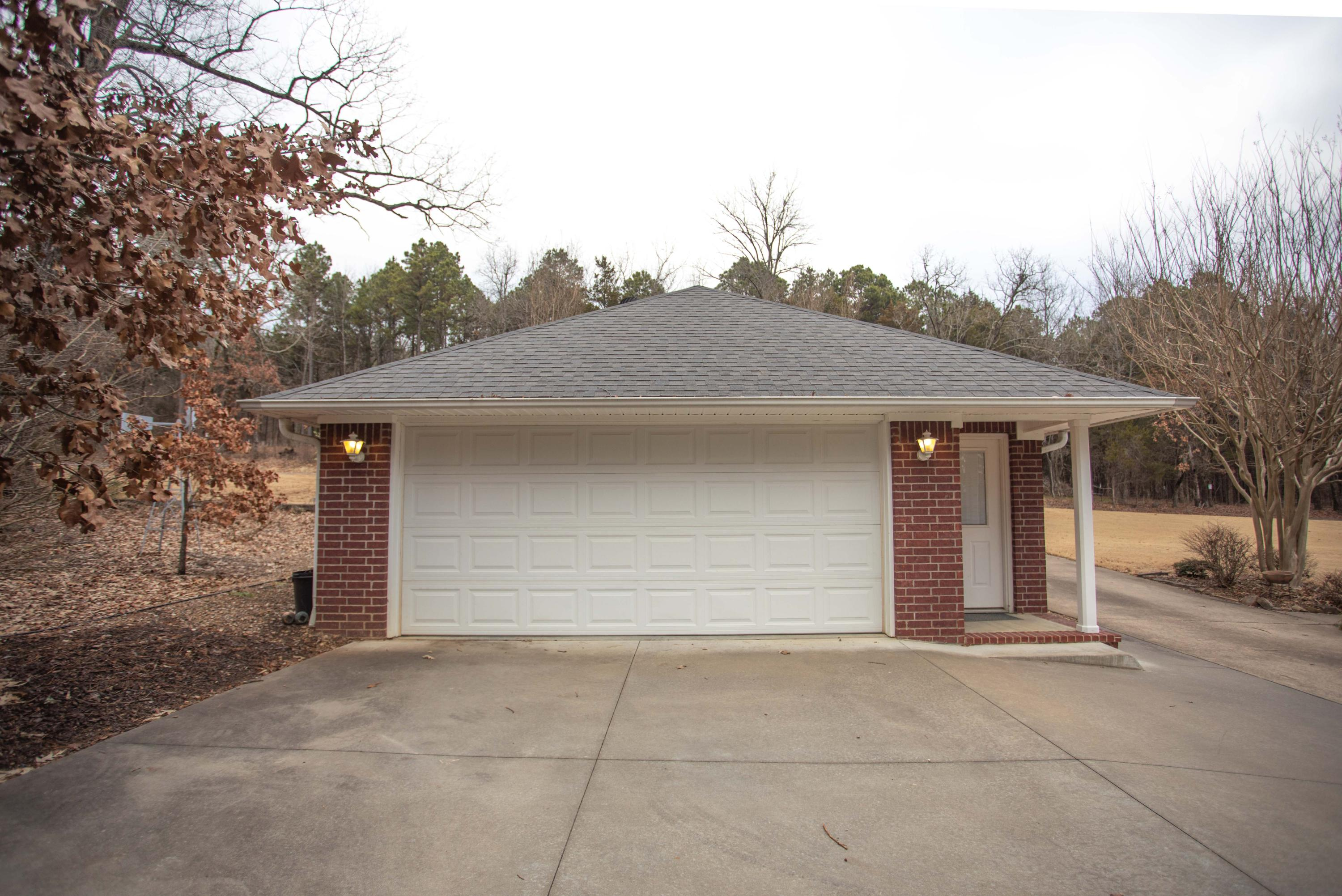 Large photo 33 of home for sale at 251 Pike Lane, Russellville, AR