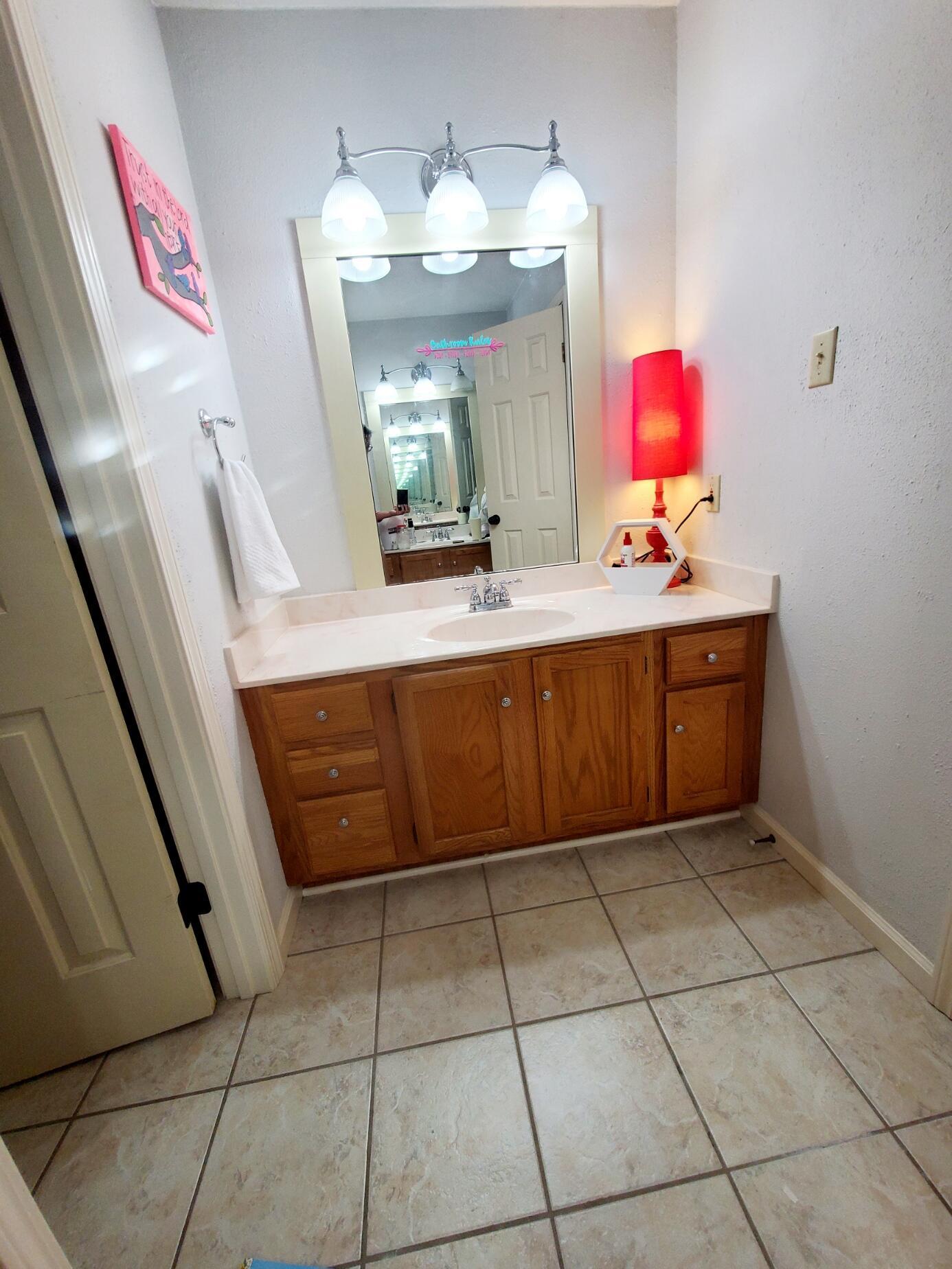 Bathroom 2 - 4