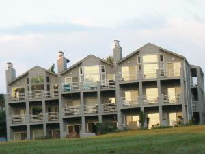 94 WATERSIDE CIR, A9, Moneta, VA 24121