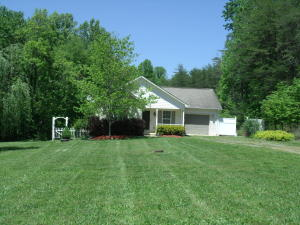 3907 NORTH FORK RD, Martinsville, VA 24112