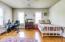 Secondary bedroom (3)