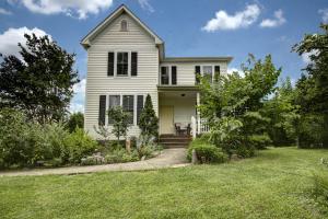 3800 Keagy RD, Roanoke, VA 24018