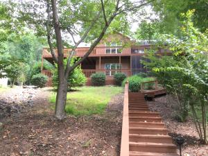 203 Channelview DR, Moneta, VA 24121