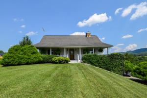 953 Webster RD, Roanoke, VA 24012