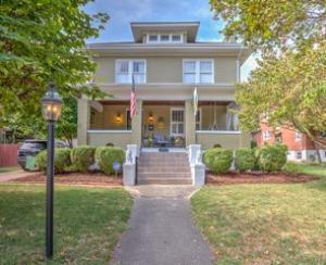1810 Windsor AVE SW, Roanoke, VA 24015