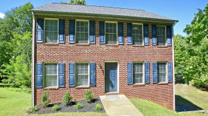 310 Club House DR, Moneta, VA 24121