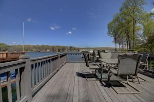 Dock with Upper Sundeck